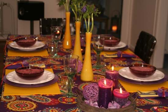 Folkloristische Tischdeko gelb - lila