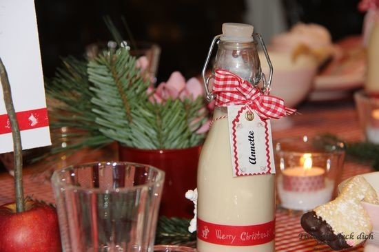 Gastgeschenk Tischkarte Bügelflasche