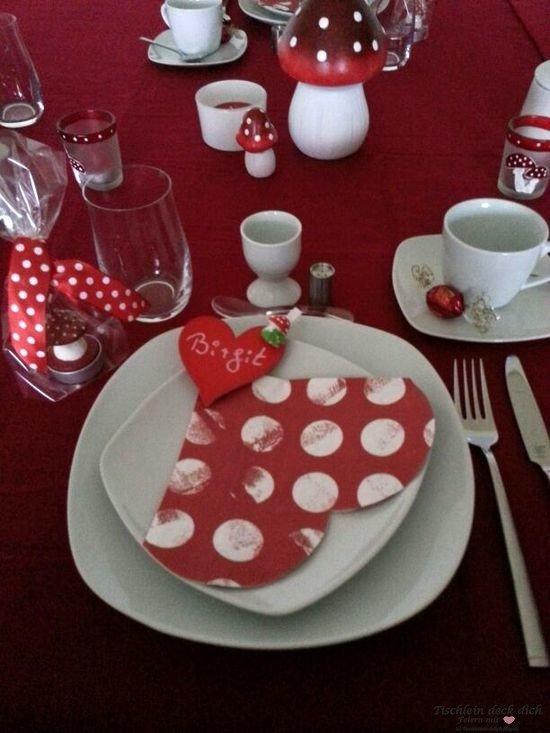Tischdeko mit Fliegenpilzen Tischdekoration rot weiß