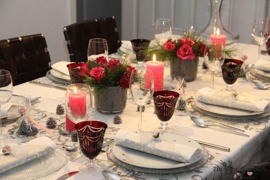 elegante weihnachtstafel mit roten rosen tischlein deck dich. Black Bedroom Furniture Sets. Home Design Ideas