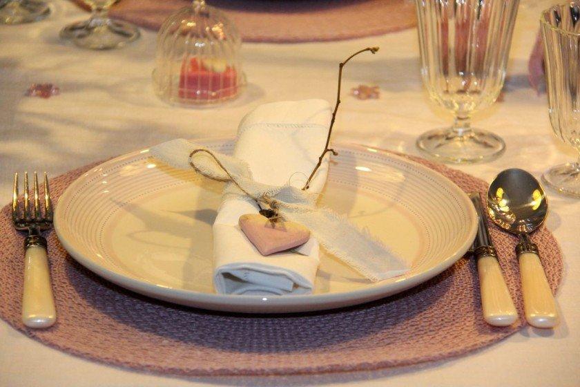 Tischdekoration-romantischer-Valentinstag-04
