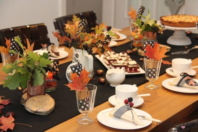 Herbstlaune Herbstdeko Kaffeetafel