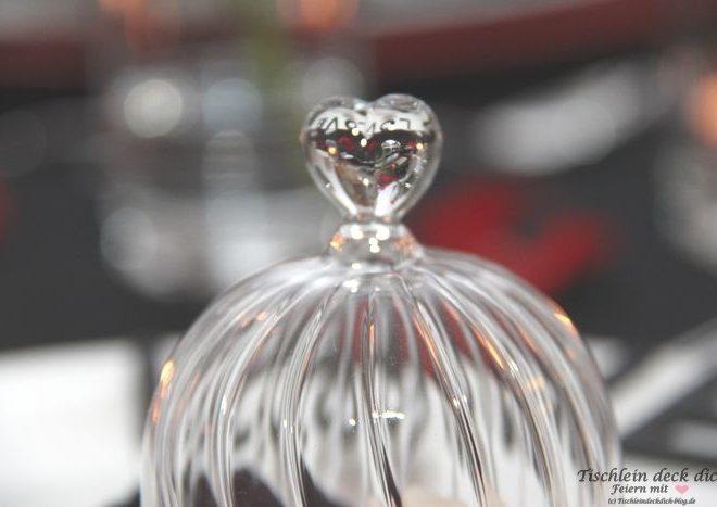 Kleine Glashaube mit Herz
