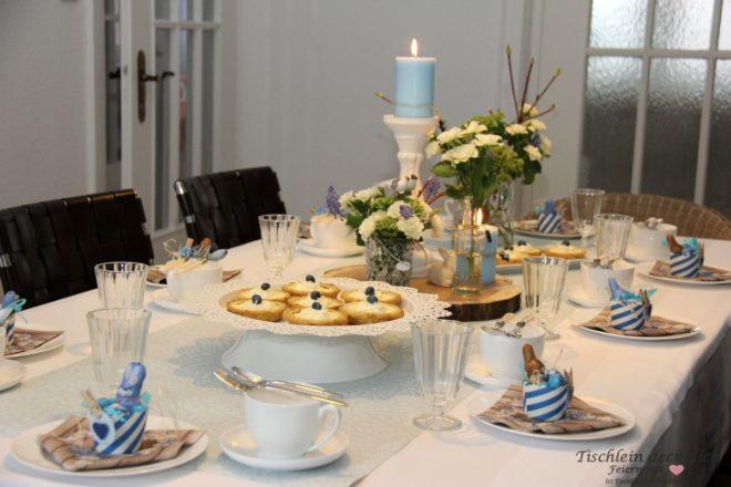 geburtstagsfeier tischdekoration in zartem blau tischlein deck dich. Black Bedroom Furniture Sets. Home Design Ideas