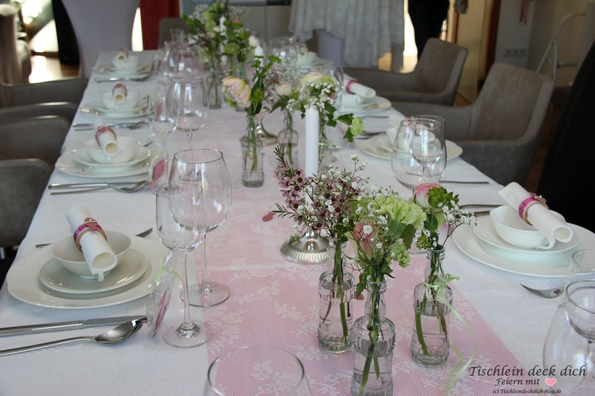 Kommunion Maedchen Tischdekoration Tischlein Deck Dich