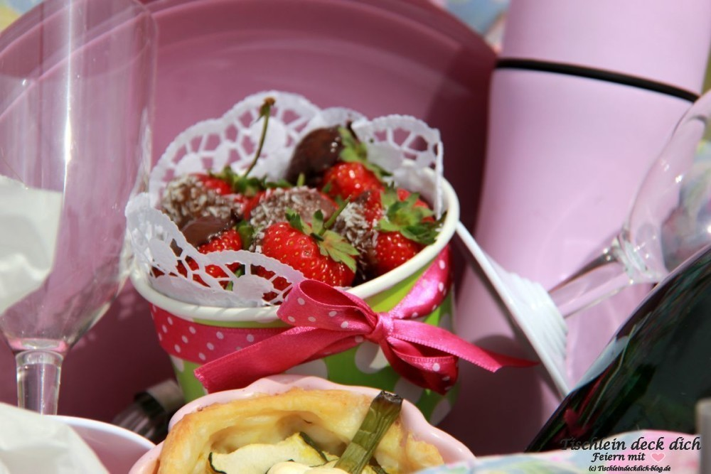 Picknick Erdbeeren im Korb