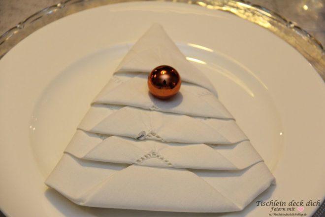 tischdekoration-weihnachten-serviette