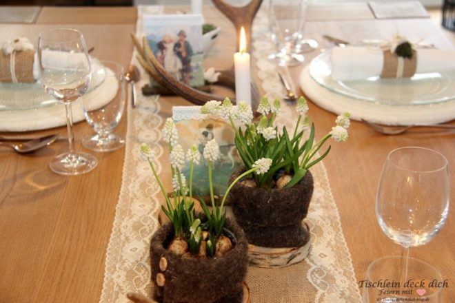 Schweizer Tischdekoration Blumen