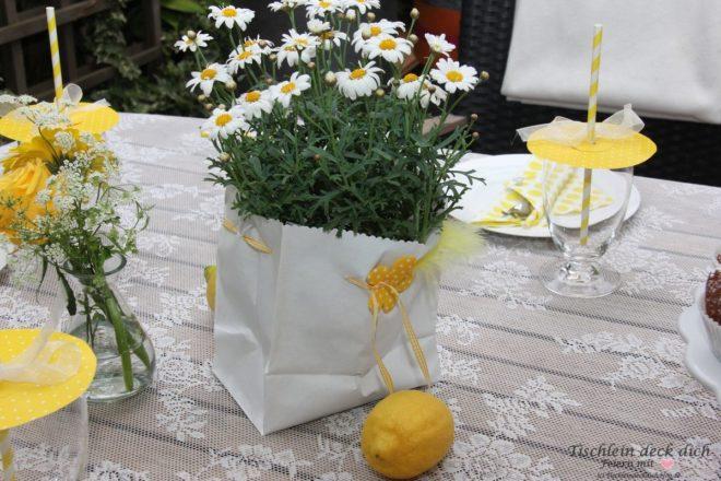 zitronenfest sommerliche tischdekoration mit zitronen tischlein deck dich. Black Bedroom Furniture Sets. Home Design Ideas
