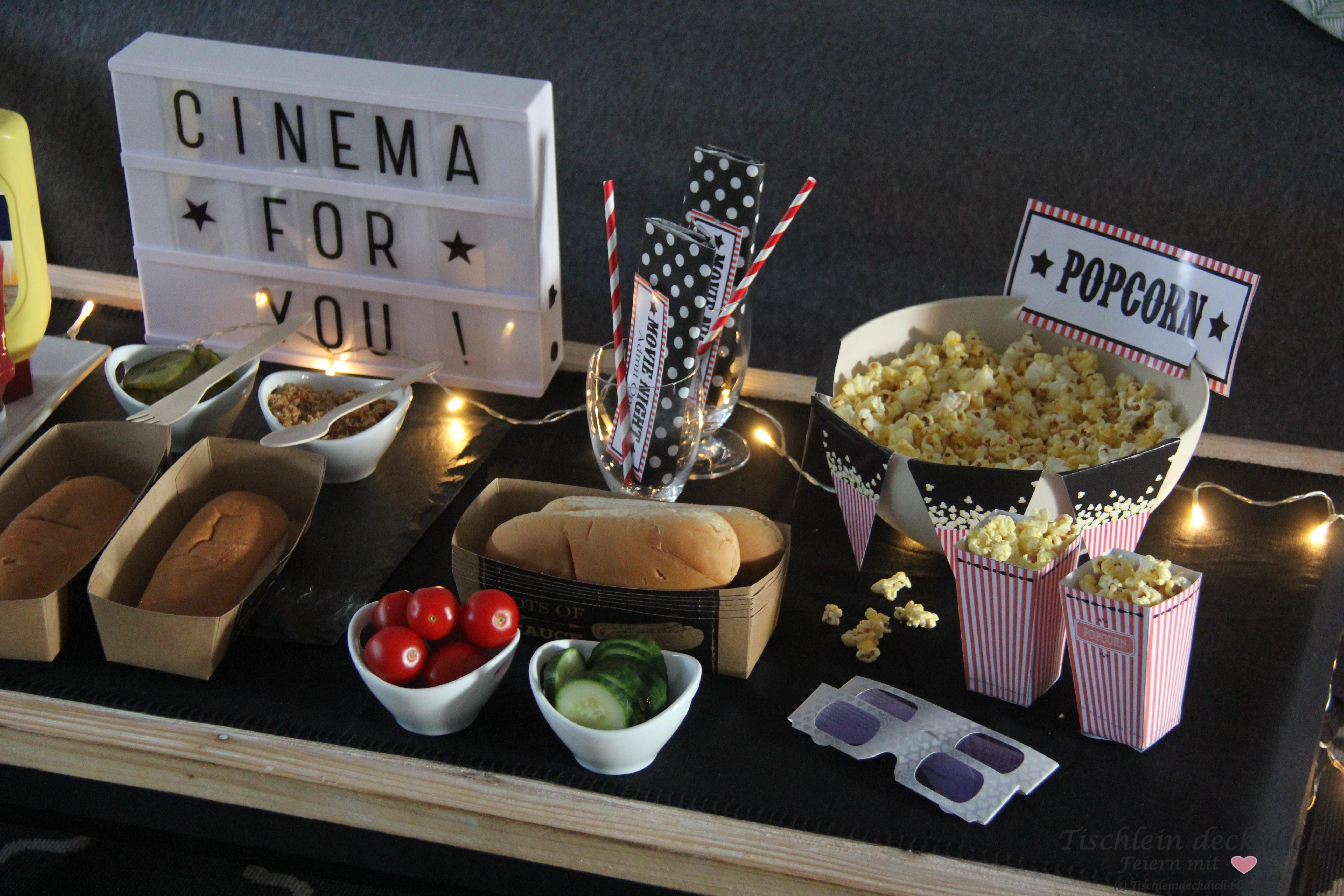 kinoabend daheim mit popcorn tischlein deck dich. Black Bedroom Furniture Sets. Home Design Ideas