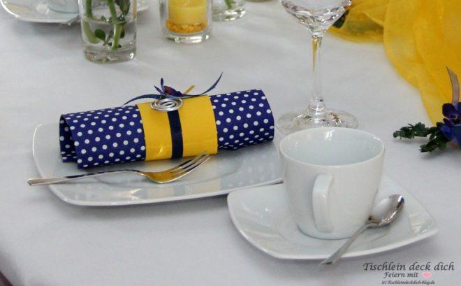 Tischdekoration Fur Die Kommunion In Blau Gelb Tischlein Deck Dich