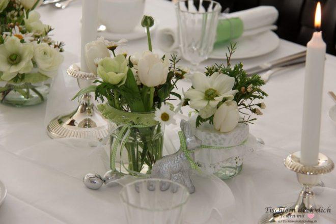 Osterbrunch - frühlingshafte Tischdekoration in grün-weiß ...